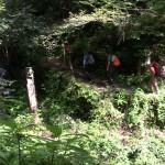 雨乞いの滝の脇を上流の滝に向けて急登する