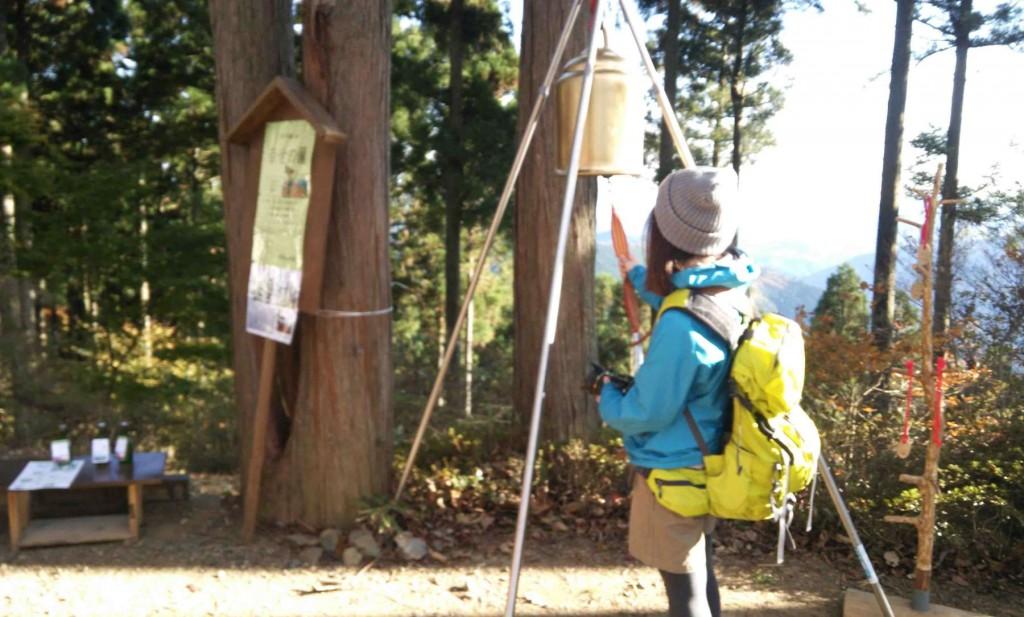 最近では山ガールと呼ばれる、若い女性の単独登山も多くみられます。