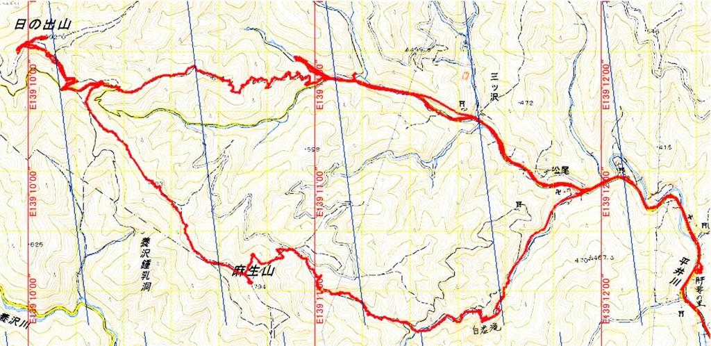 上図は国土地理院の地形図に、当日のGPS軌跡データを落とし込んだもの。地図右下の肝要の里をスタートし、白岩の滝下まで車で移動。白岩の滝から麻生山の山頂を辿り日の出山へ。下山は尾根道のあご掛け岩コースを不動沢の出会いへ下り、車で肝要の里へ移動し解散。