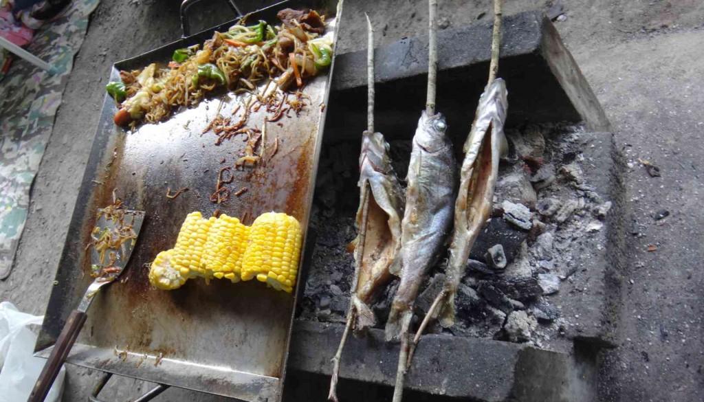 炭火で塩焼きにすると、骨まで火が通り、骨まで食べられ、カルシュームたっぷりの健康食品の王様です。