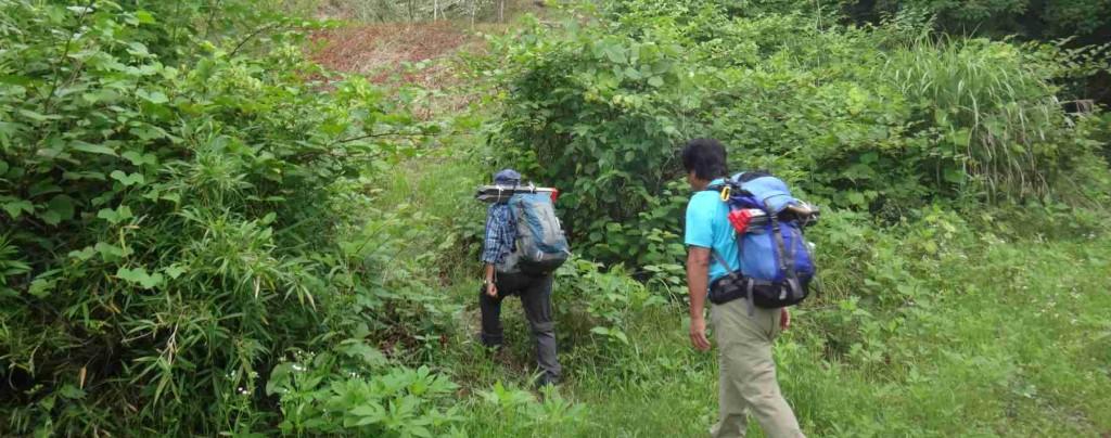 ボッカ兼杭打ち担当2名と、GPS探査兼記録担当1名の計3名で、大久野の新井から向山稲荷ルートを出発。