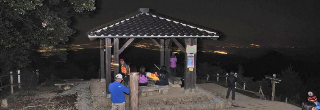 7月中旬から8月上旬までは、都内各所で催される花火大会の展望台にもなる。