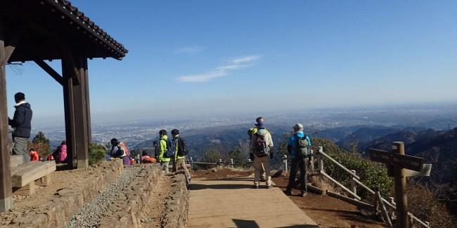 都心を正面にして埼玉県、動画馬券神奈川県を一望する日の出山は、元旦の御来光のビューポイントとして有名。