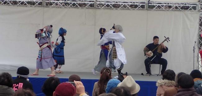 初めての試みとしてコスプレギャルのダンスと、津軽三味線のコラボによるステージも好評でした。